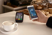 Paiement mobile : la concurrence s'arme face à Apple Pay