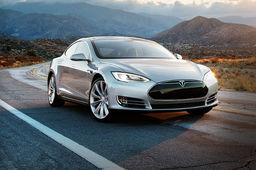 L'iPhone, future clé de contact de la Tesla Model S
