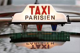 Mobile, IoT, site web... Taxis Bleus multiplie les initiatives digitales pour contrer Uber