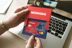 La start-up toulousaine Morning lance sa carte bancaire Mastercard