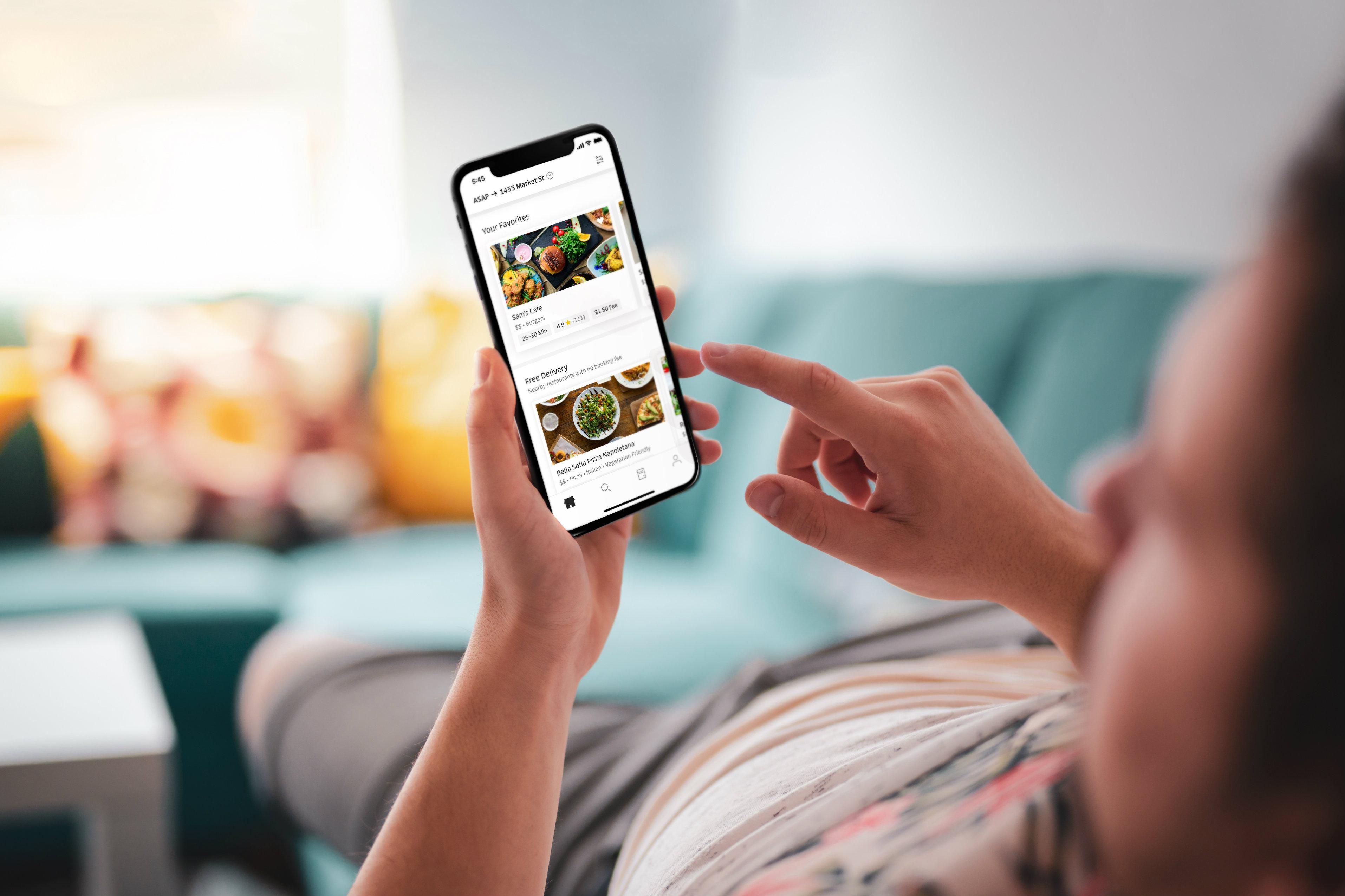 Uber Eats France se lance dans la livraison de repas à domicile