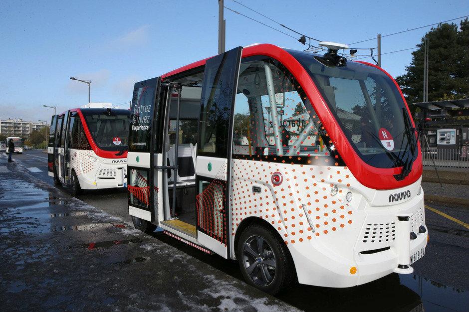 Deux navettes autonomes Navya desservent le Parc Olympique lyonnais