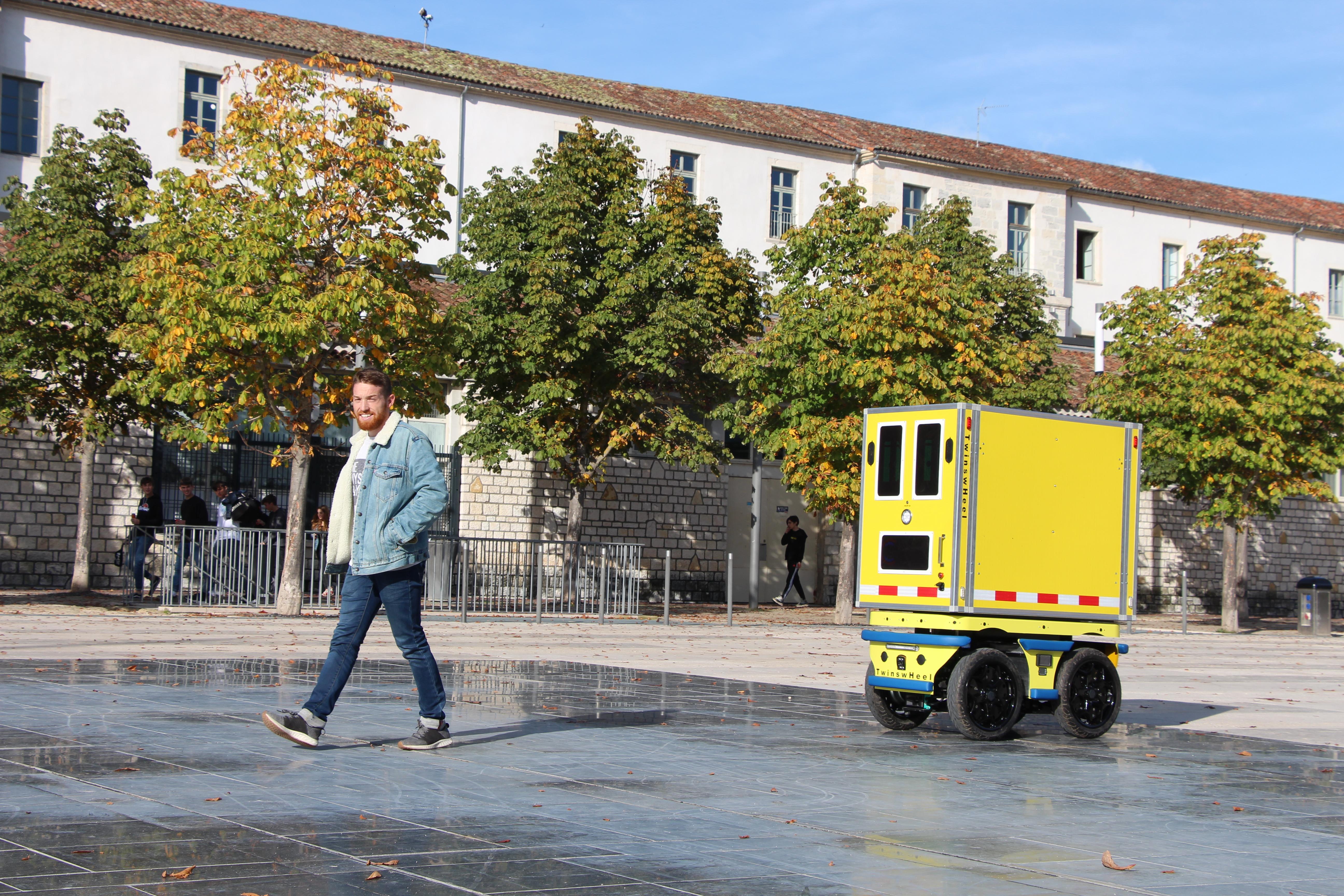TwinswHeel présente son nouveau robot autonome destiné aux livraisons de centre-ville