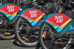 Just Eat Takeaway s'empare de Grubhub sous le nez d'Uber Eats