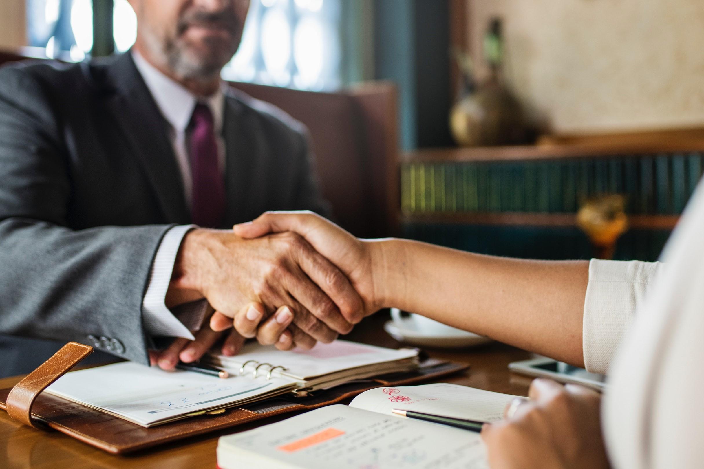 L'intelligence artificielle d'Avostart veut aider les particuliers à trouver le bon avocat