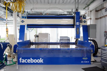 L'usine ultra high tech de Facebook qui en dit long sur ses grandes ambitions dans le hardware