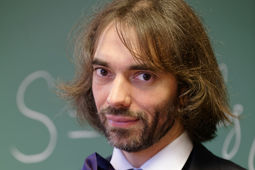 Cédric Villani, le nouvel expert intelligence artificielle du gouvernement
