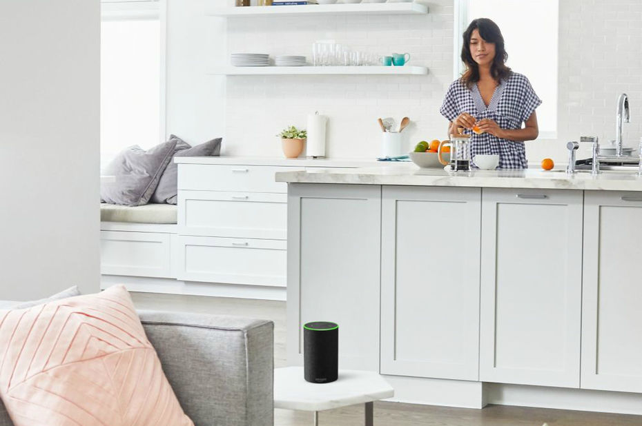 Echo, l'enceinte intelligente d'Amazon, arrive (enfin) en France avec Alexa