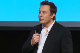 Avec l'intelligence artificielle, on invoque le démon, alerte Elon Musk