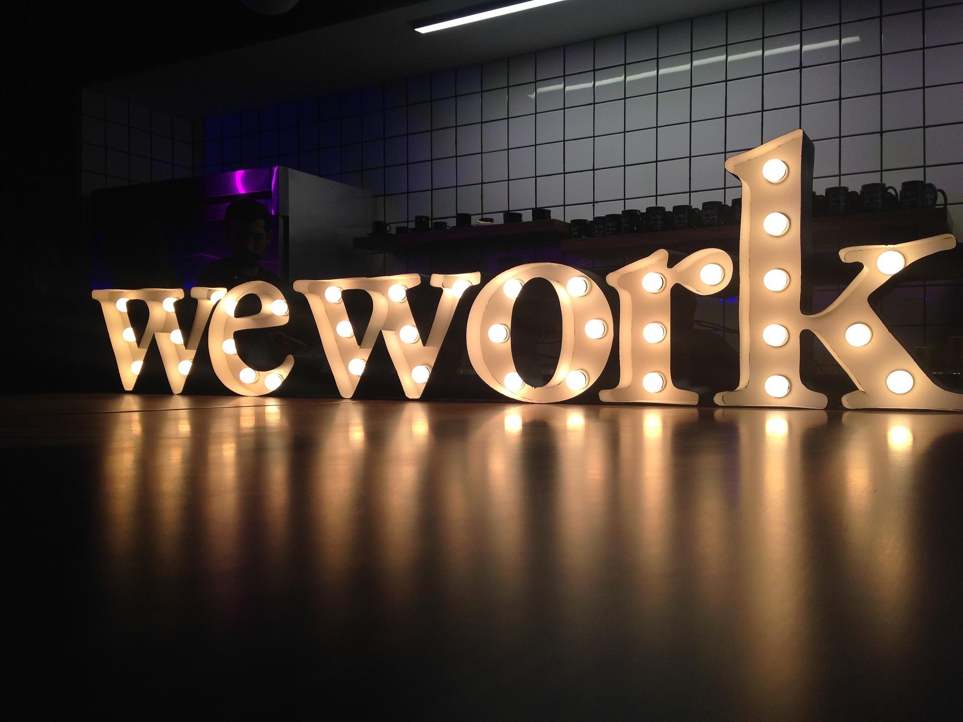 Softbank se dit prêt à sauver la start-up américaine WeWork… à condition d'en prendre le contrôle